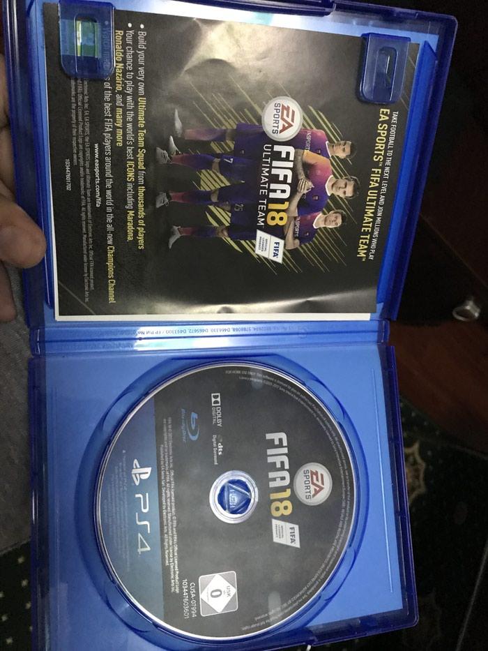 Игра фифа 18 на PS4 диск в очень хорошем. Photo 2