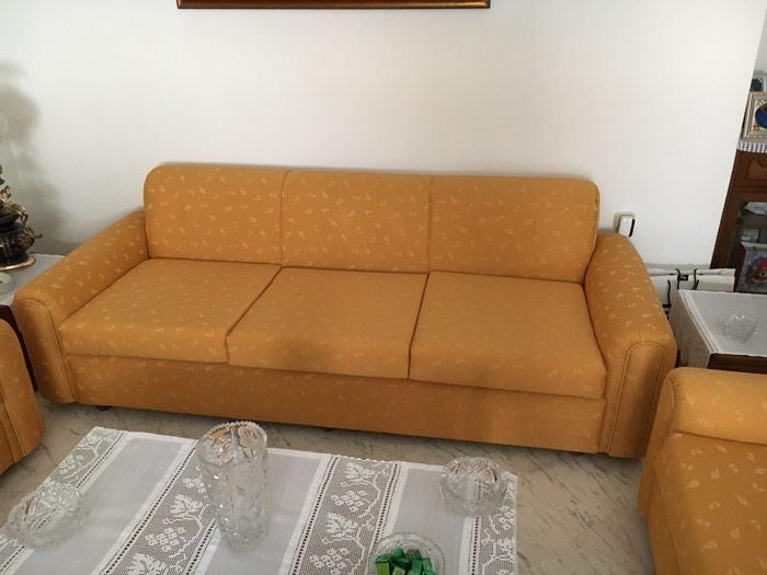 Σαλόνι : Τριθέσιος καναπές 2 πολυθρόνες 3 τραπεζάκια 2 λάμπες . Photo 3