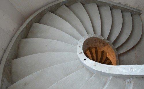 Винтовые лестницы бетонные любой дизайн. Photo 2