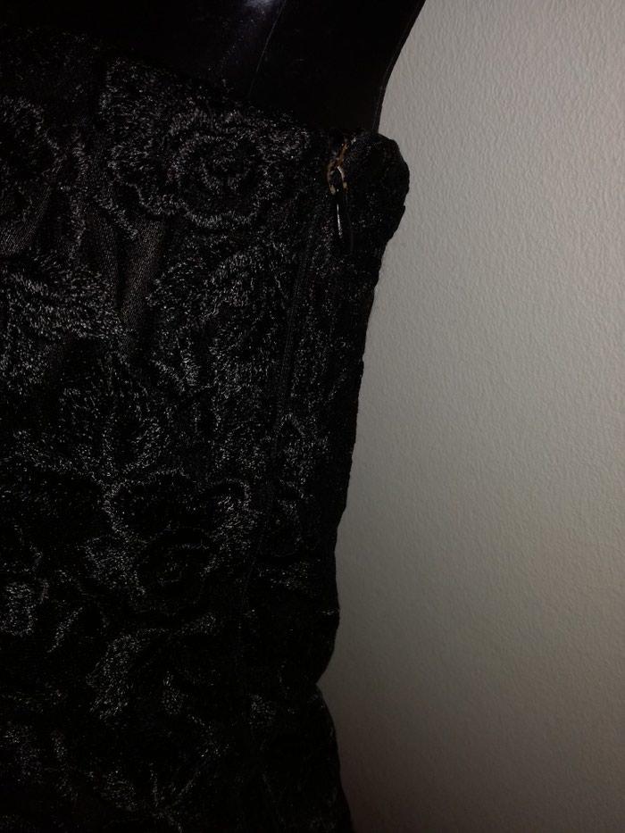 Predobra haljina cela od cvrste cipke i satenskom postavom,vel:S-M. Photo 5