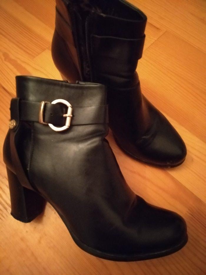 Обувь новая . Ношение только один раз , черного цвета 39 размера. . Photo 2