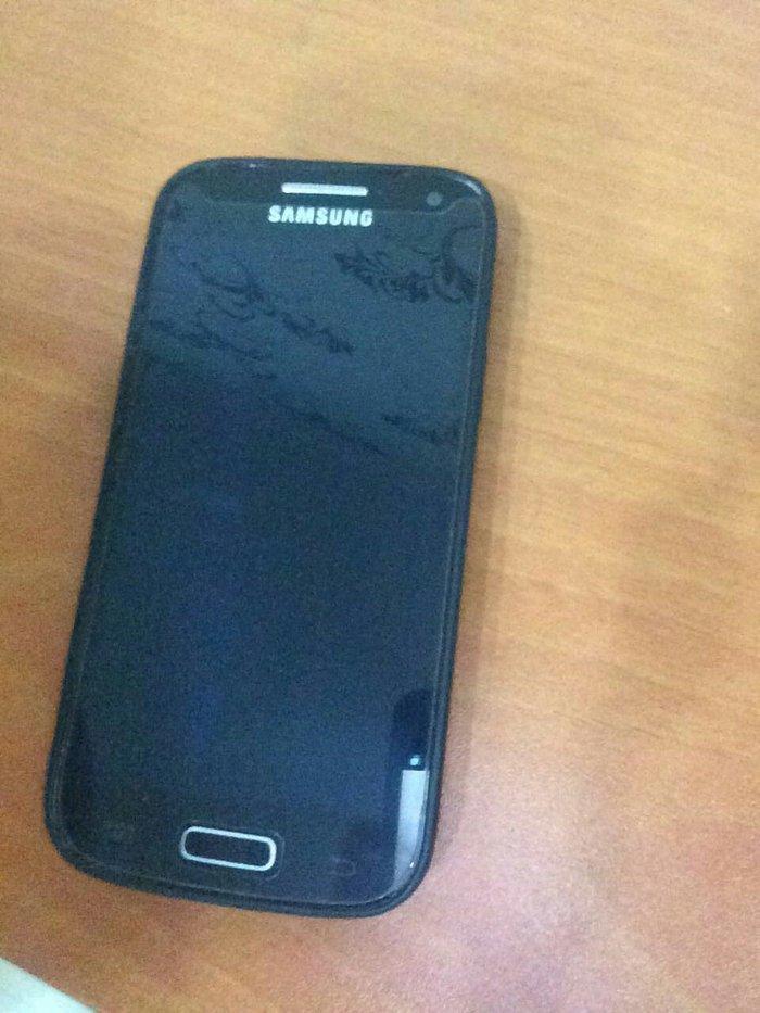Bakı şəhərində Samsung s4 mini ve samsung duos ikisi birlikde 105 azn qiymetde