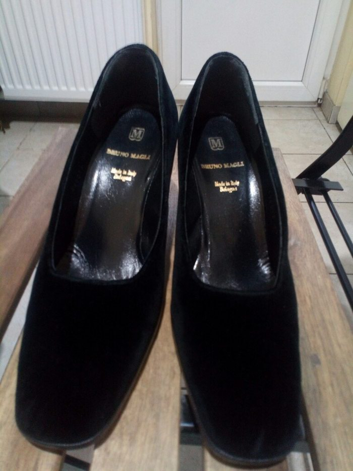 Cipele Bruno Magli br 40, ocuvane. Stikla 7cm.. Photo 0
