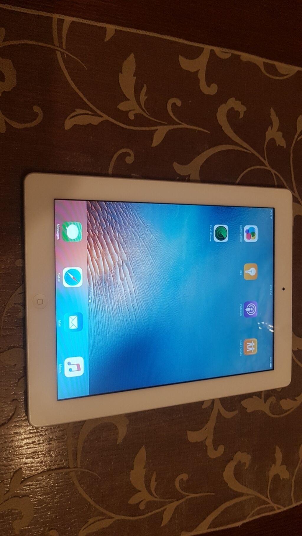 Tableti - Kraljevo: IPad 2 16GB, u dobrom stanju sa kablom