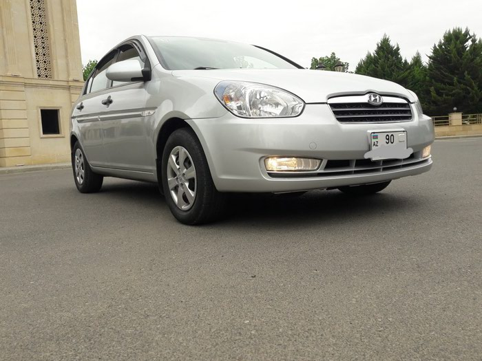 Hyundai Accent 2009. Photo 2