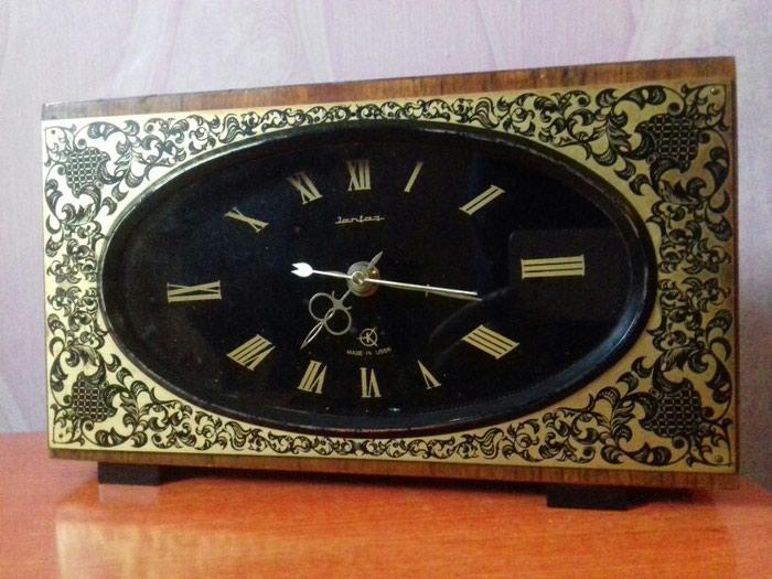 Настольный часы Янтарь. Работает на батарейке. СССР. в Душанбе