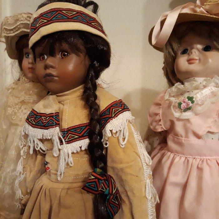 Πορσελάνινες Βιεννέζικες κούκλες. . Photo 3