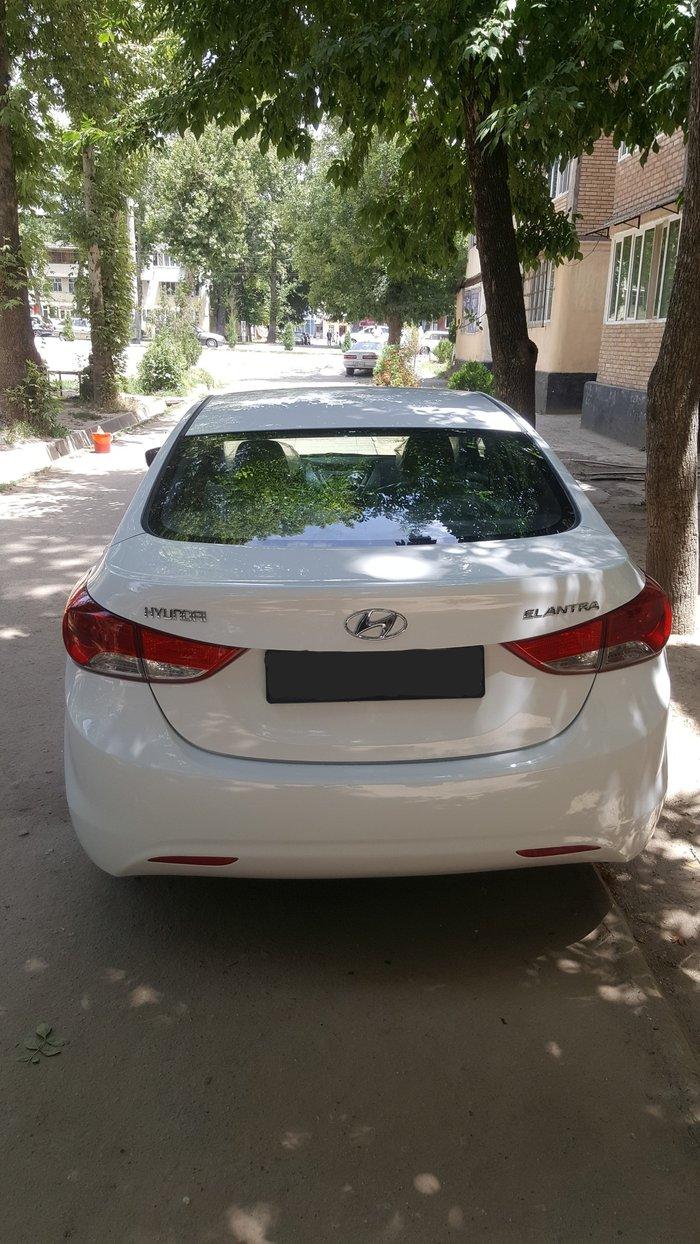 Hyundai Elantra 2013. Photo 1