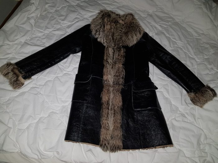 Kozna bunda sa prirodnim krznom. par puta obucena. velicina M. Photo 1