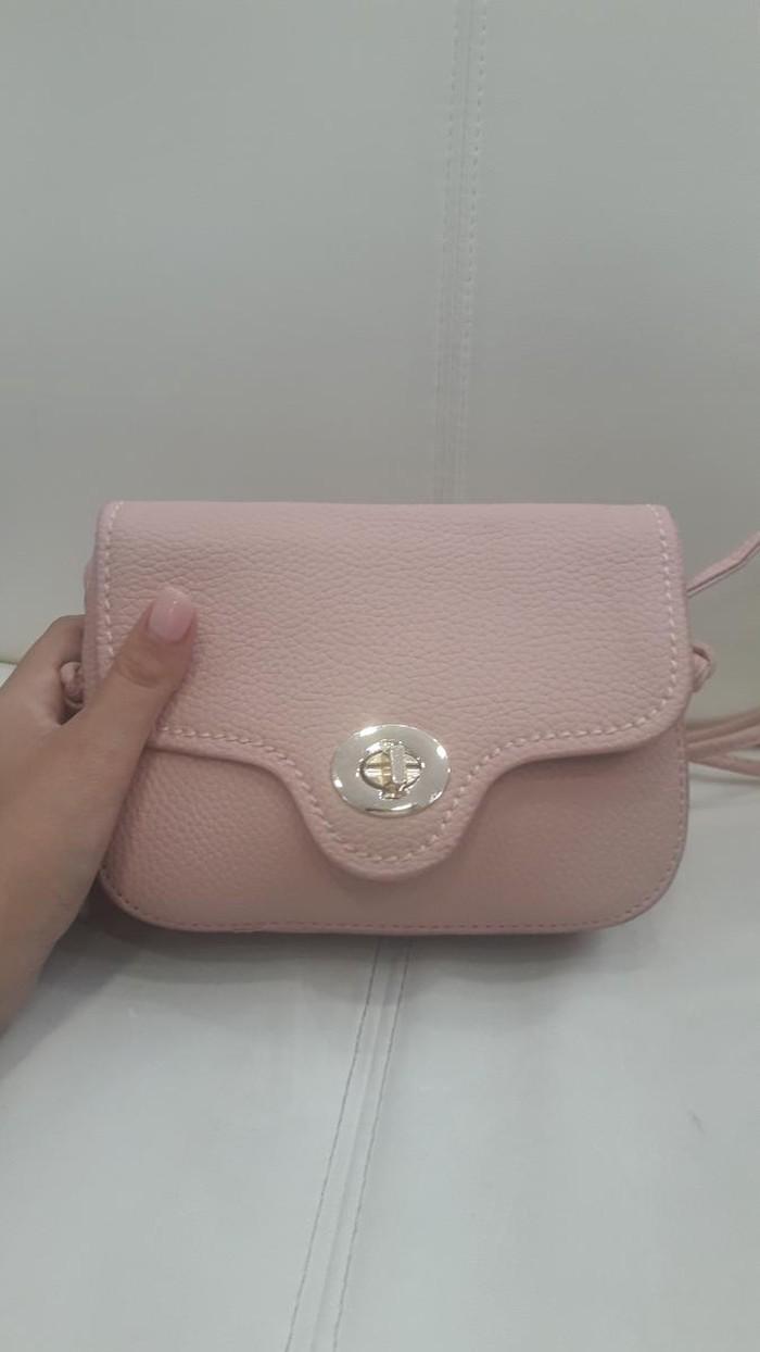 Καινούρια τσάντα 12€ . Photo 0