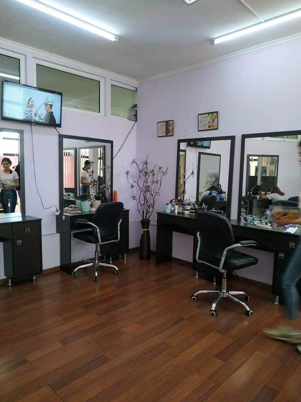 Продаю салон красоты на Ошском рынке