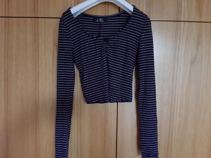 Μπλούζα νούμερο extra small από τα καταστήματα bershka. Photo 1