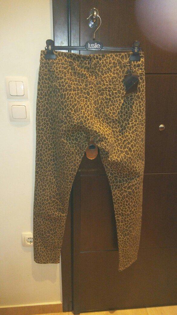 Παντελονι τζιν λεοπαρ ολοκαινουριο με το καρτελακι ελαστικο κανονικη μ. Photo 1