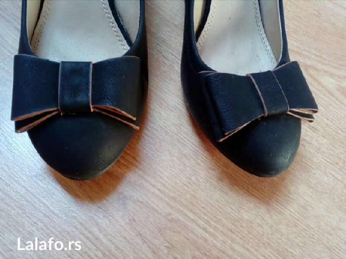 Cipele, nošene par puta, broj 41, visina pete 8cm