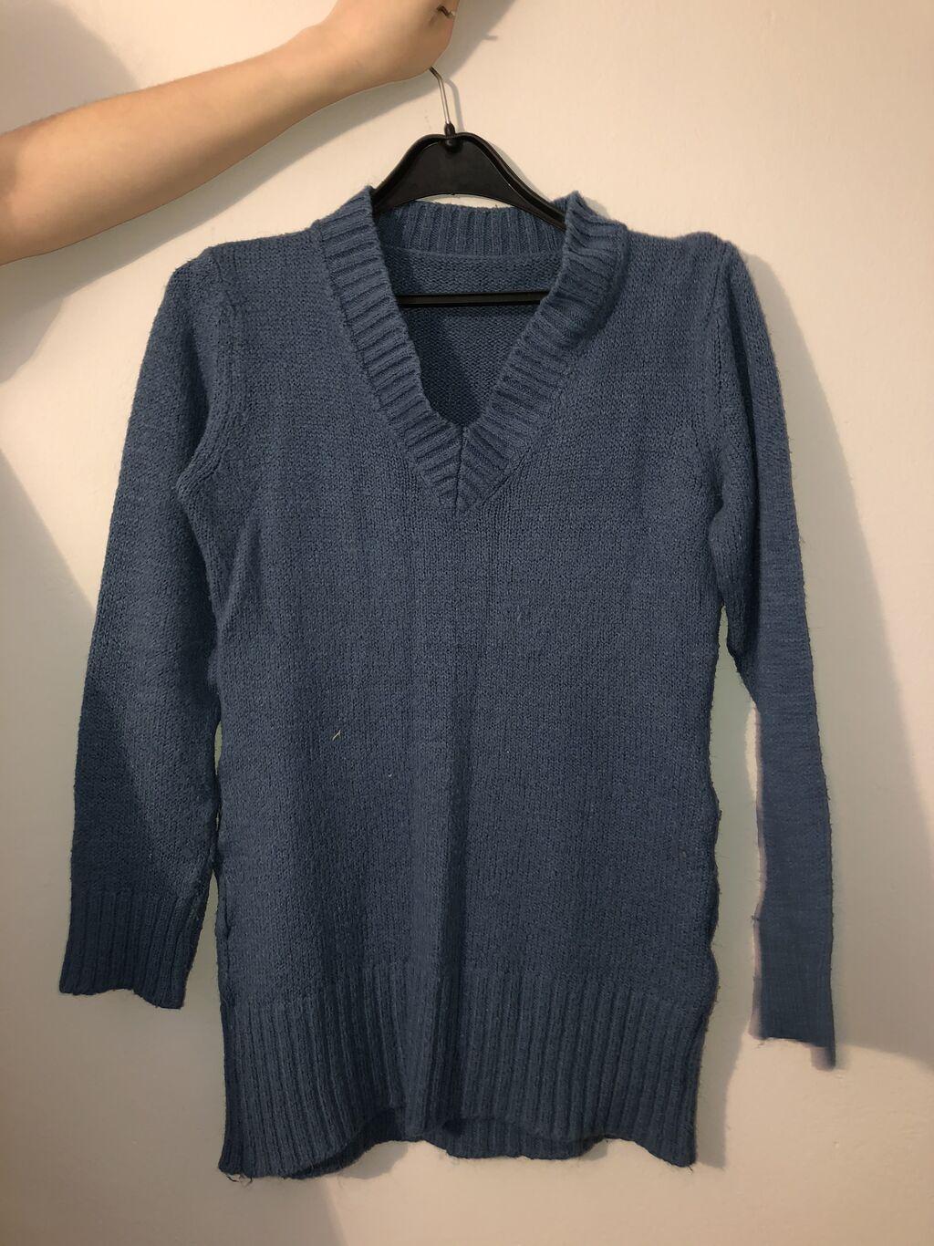 Ženski dzemper plave boje, odlično očuvan, idealan pokolon za vaše dame, cena samo 400 dinara, veličina je univerzalna