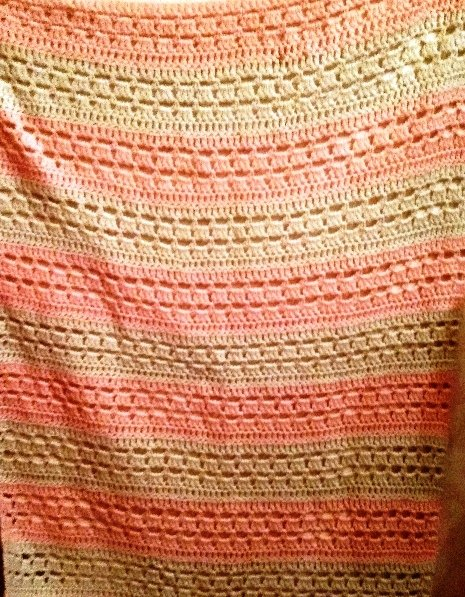 Bakı şəhərində Розовое с белым детское одеяло (ручная работа, изготовлено на заказ),