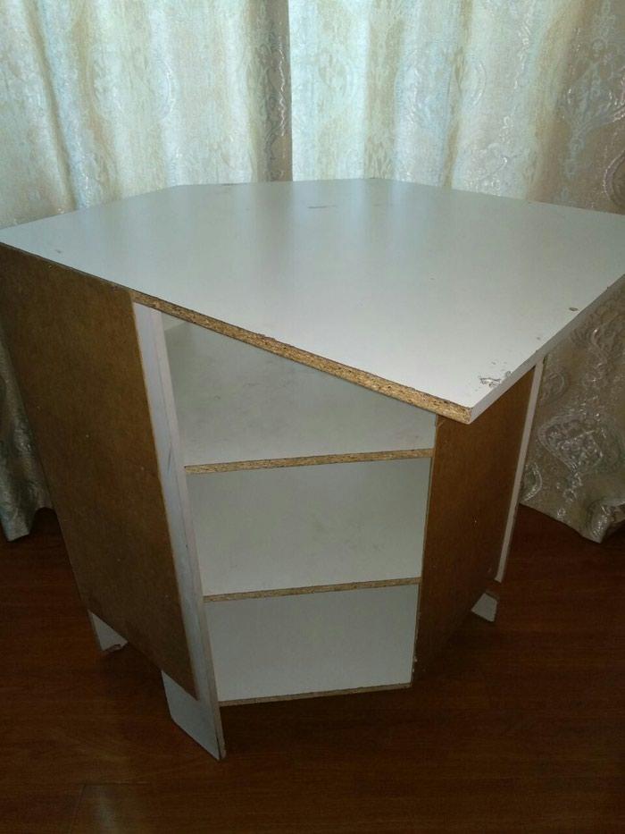 Угловой стол, с полками, подойдёт как для офиса, так и для дома в Бишкек