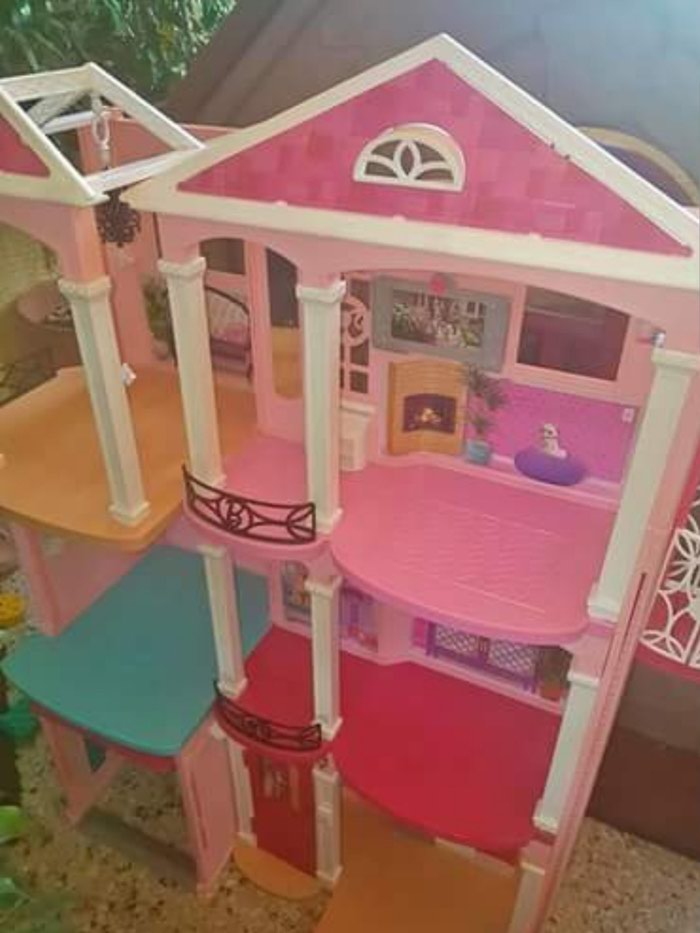 Barbie dream house 122*125cm! σε Kallithea