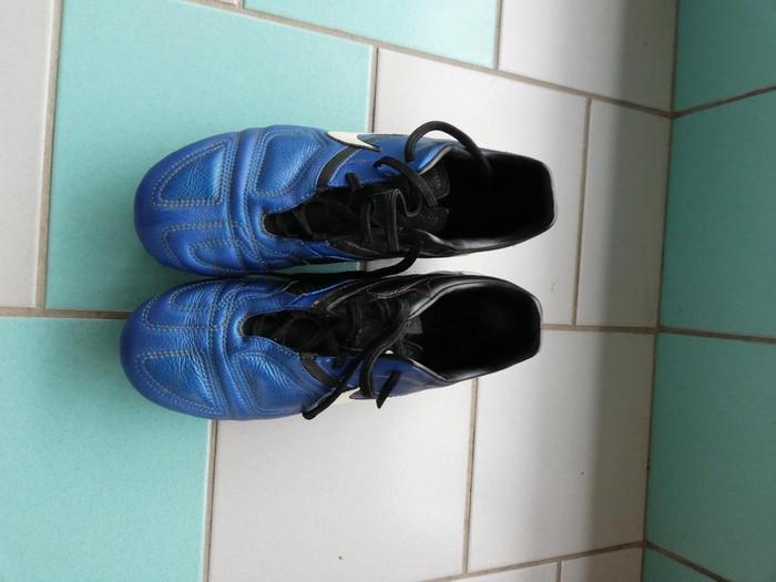 Nike ποδοσφαιρικα παπούτσια  κατάλληλα για μαλακό γήπεδο  38 νούμερο. Photo 0
