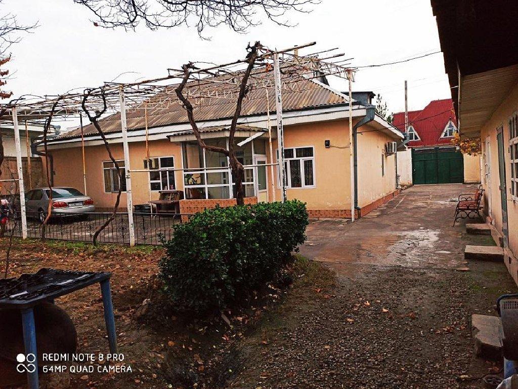 Продаётся дом в районе сино политехникум 8-м соток, 8-м комнат