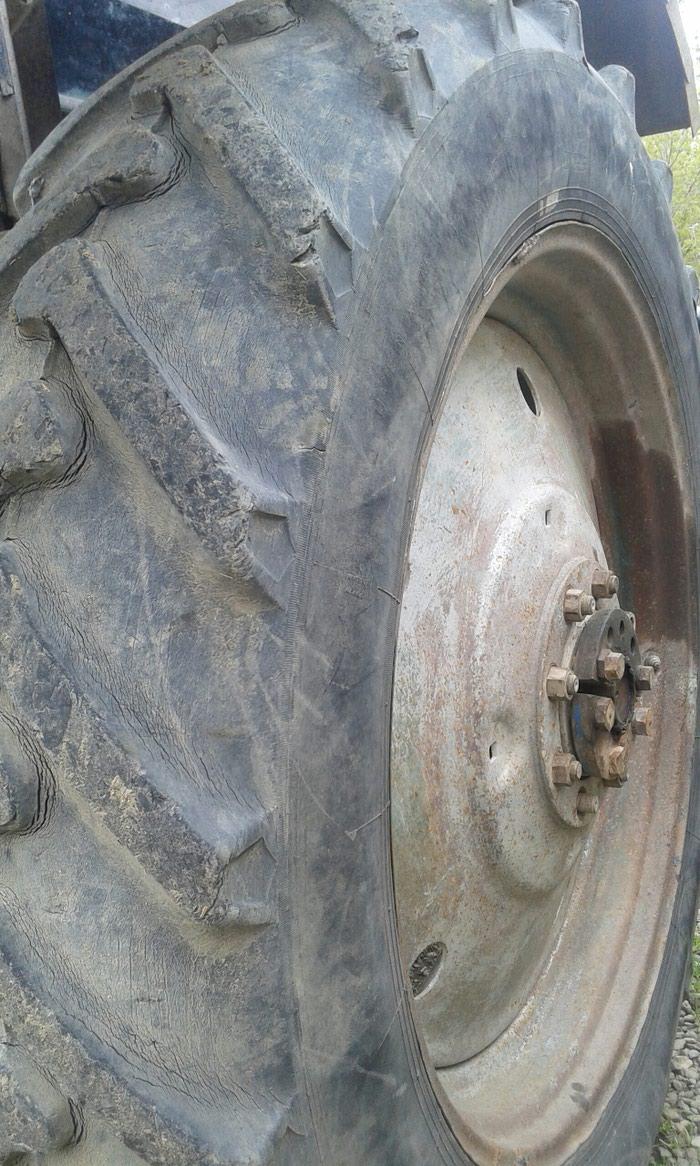 Traktor təkərin2 sidə satılır Təkərlər ağdamda dı . Photo 4