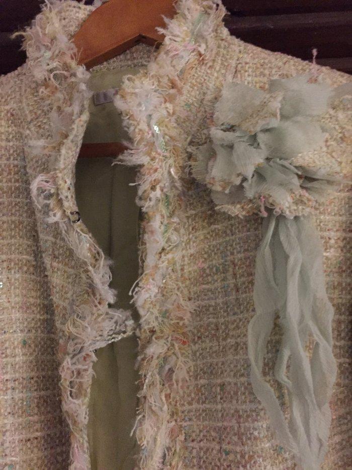 Σακάκι tweed βεράμαν  με λουλούδι , κοντό τύπου Chanel . Νο small .Αφό. Photo 2