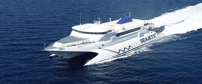 Πωλούνται 2 εισιτήρια επιστροφής απο τα νησία Σαντορίνη για Πειραία, απο  Νάξο για Ραφήνα, απο Φολέγανδρο για Πειραία, απο Μύκονο για Ηράκλειο, απο Μύκονο για Ρέθυμνο, απο Σαντορίνη για Πειραία  αναχώρηση με το πλοίο Worldchampion Jet  τιμή Seajets 159,40e τα δίνω 100,00e απο Σαντορίνη για Πειραία  αναχώρηση με το πλοίο Terajet  τιμή Seajets 113,00e τα δίνω 85,00e θεωρώ ότι όλοι θα προτιμήσετε το  Worldchampion Jet απο Φολέγανδρο για Πειραία αναχώρηση με το SuperJet / Seajet τιμή Seajets 126,00e , τα δίνω 80,00e απο Μύκονο για Ηράκλειο αναχώρηση με το πλοίο Champion Jet 2 τιμή Seajets 168,60e τα δίνω 100,00ε απο Μύκονο για Ηράκλειο αναχώρηση με το πλοίο Caldera Vista τιμή Seajets 129,40e τα δίνω 90,00ε  θεωρώ ότι όλοι θα προτιμήσετε το Champion Jet απο Μύκονο για Ρέθυμνο αναχώρηση με το πλοίο Champion Jet 2 τιμή Seajets 168,60e τα δίνω 100,00e