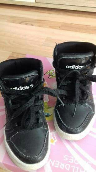 Ostala dečija odeća - Smederevo: Adidas patike u odlicnom stanju. Velicina 28/5. Bez ikakvih ostecenja