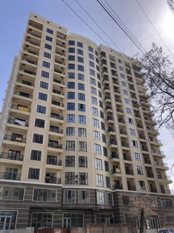 Продается квартира: 3 комнаты, 120 кв. м., Бишкек. Photo 1