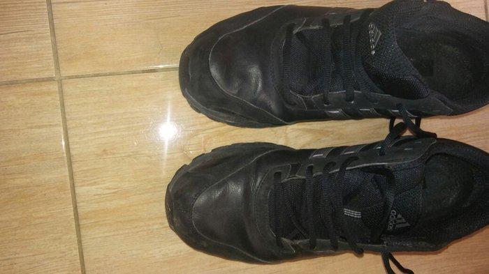 Adidas duramo δερματινα ν 44. μεταχειρισμενα σε μαυρο χρωμα. αποστολη  σε Αθήνα