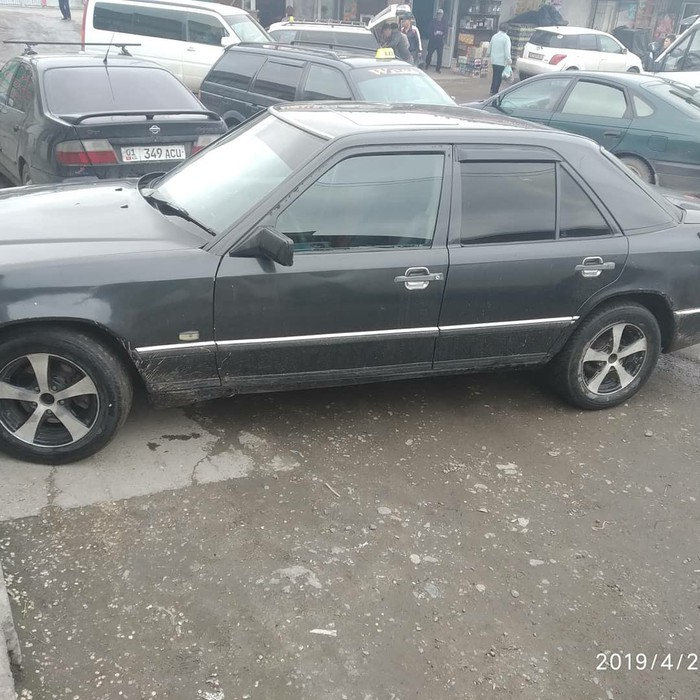 Mercedes-Benz 200 1986. Photo 2