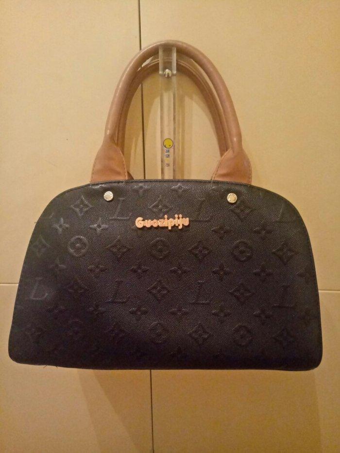 4171df60c1da Продаю женскую сумочку. за 350 KGS в Бишкеке: Сумки на lalafo.kg