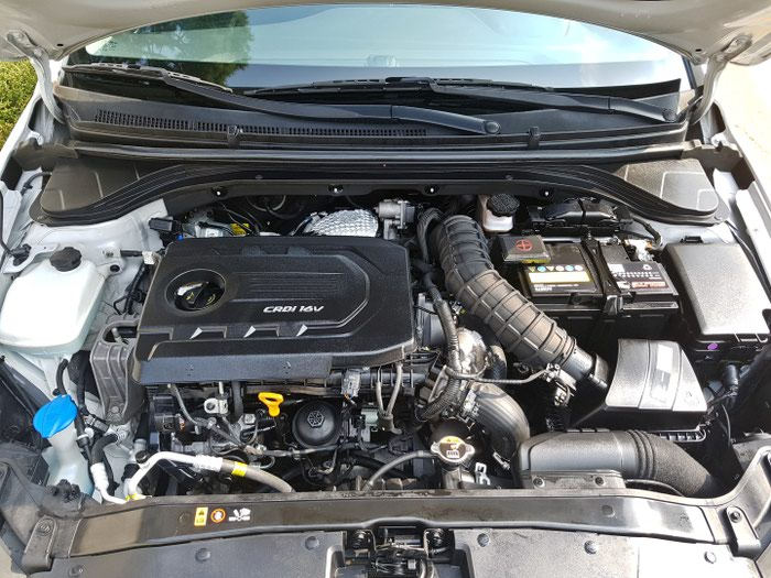 Hyundai Elantra 2016. Photo 7