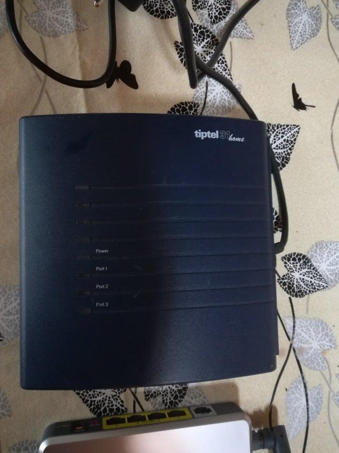 Router σε άριστη κατάσταση. Photo 1