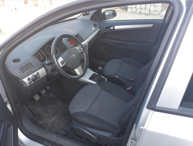 Opel Astra 2008. Photo 4