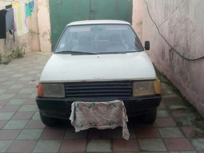 VAZ (LADA) 2108 1993 in Kathmandu