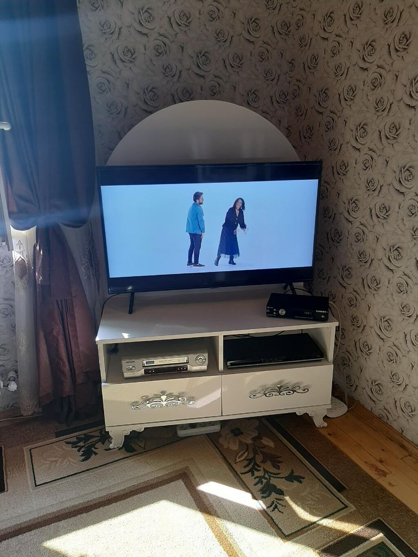 Telvizi alt satilir reyal alciya endirim olacaq