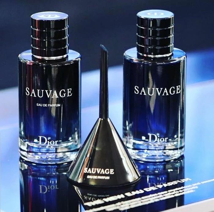 Духи Sauvage 250 сом с доставкой  занг занед в Душанбе