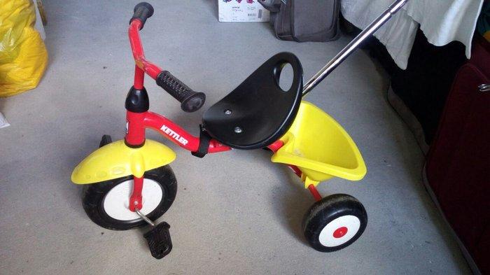 Tricikl kettler startrike u odličnom stanju! Zahvaljujući podesivoj - Beograd