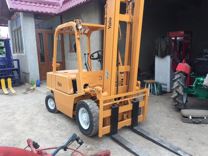 Вилочный погрузчик Yale. Грузпододьемность 2500 кг, бензиновый в Бишкек