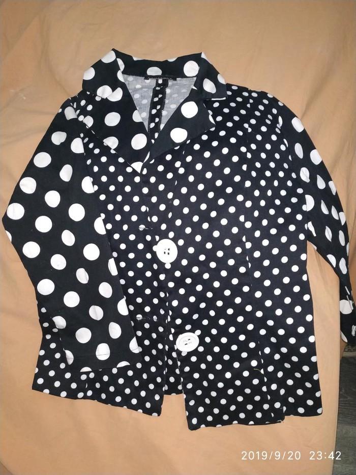 Турецкий пиджачок б/у состояние хорошее размер 40 . Photo 0