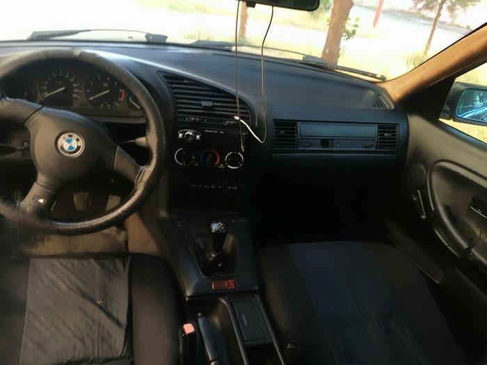 BMW 318 1992. Photo 5