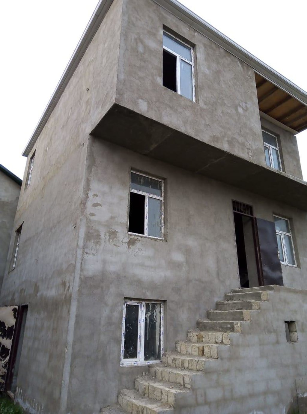 Satış Evlər mülkiyyətçidən: 202 kv. m, 7 otaqlı