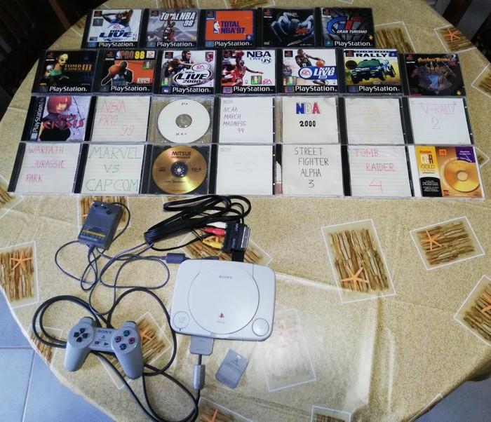 Πωλείται Playstation ONE Mini (τσιπαρισμένο!) μαζί με κάρτα μνήμης και 26 δημοφιλείς τίτλους σε άριστη κατάσταση!