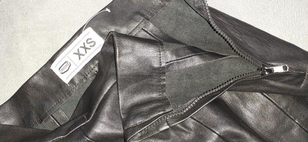 Pantalone od vestacke koze, CROCKER, velicina XXS