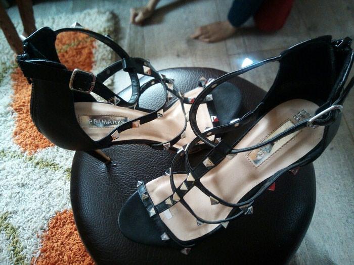 Prelijepe, kozne sandale, broj 39.Nemaju bas nikakva ostecenja. Photo 1