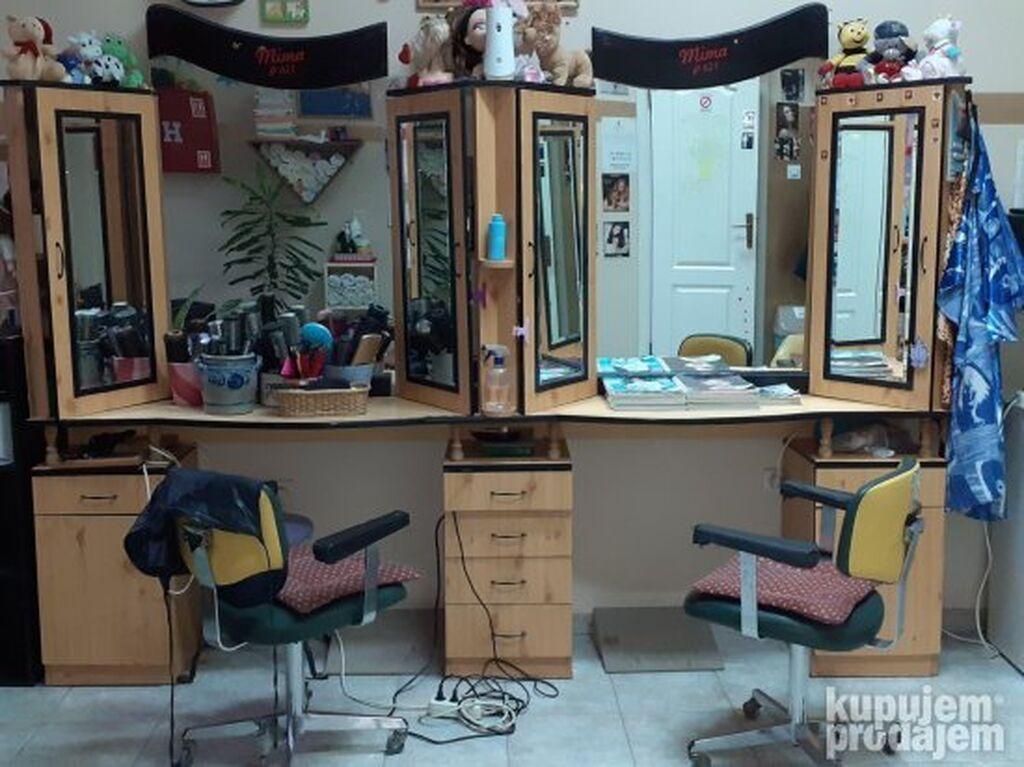 Prodajem frizerski pult i dve stolice. Cena 300e  Licno preuzimanje