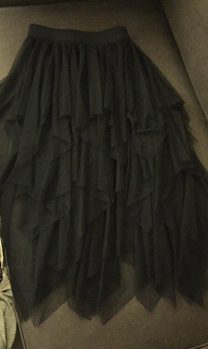 Μαύρη ασήμετρη φούστα από τούλια . Με λαστηχο στη μέση .Ολοκαίνουργια . Photo 0