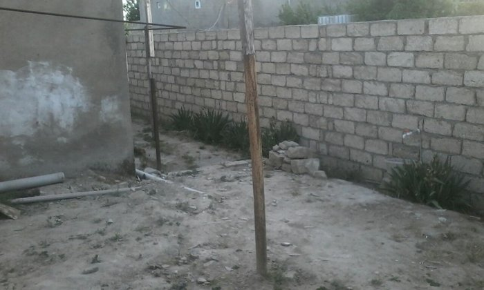 Sevastopol şəhərində Bakida tecili sahesi 100 k/m olan 3 otaqli ev satilir