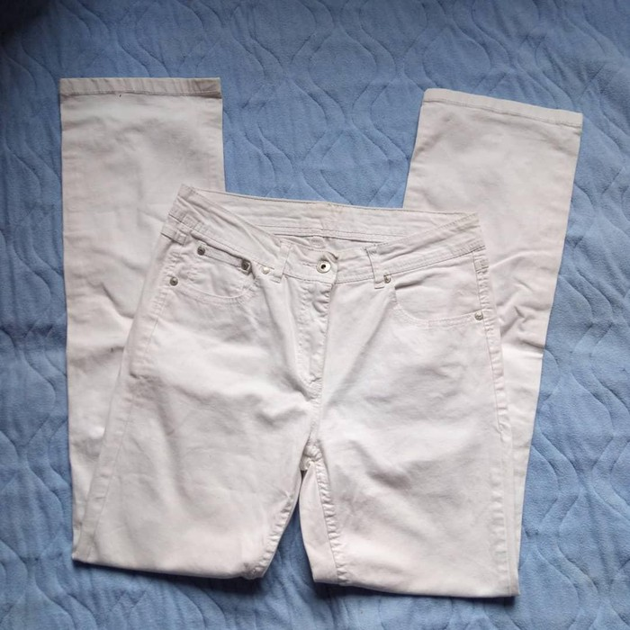 Bele pantalone iz uvoza Velicina M